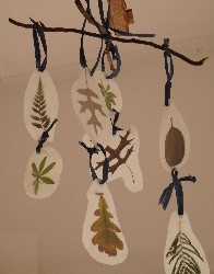 kids leaf craft project - make a mobile