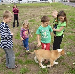 kids and puppy